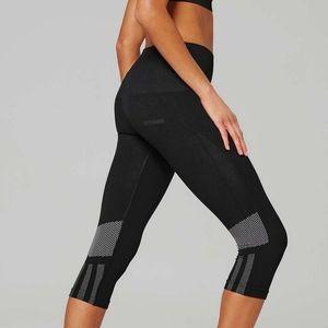 Ivy park black seamless leggings cropped